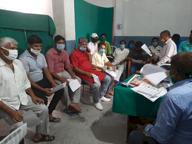 बख्तियारपुर में ग्रामीण चिकित्सको को दिया गया प्रशिक्षण।