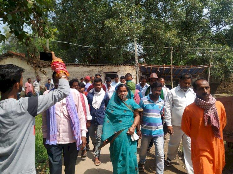 राजद नेत्री मधु सिंह का जनसंपर्क अभियान लगातार जारी।