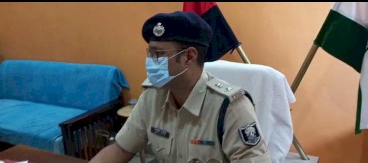 एसपी के निर्देश पर डीआईयू ने पुलिस एशोसिएशन के अध्यक्ष के भाई को किया गिरफ्तार।