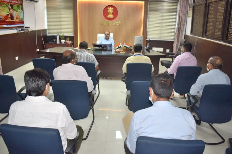 प्रखंड सह अंचल कार्यालय के भवन निर्माण के लिए डीएम ने बैठक कर दिए जरूरी निर्देश।